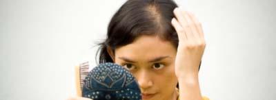 Causes et pr ventions de la calvitie monsieur calvitie for Regard dans le miroir